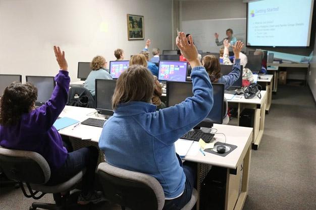 Programa Operativo de Empleo, Formación y Educación (POEFE)